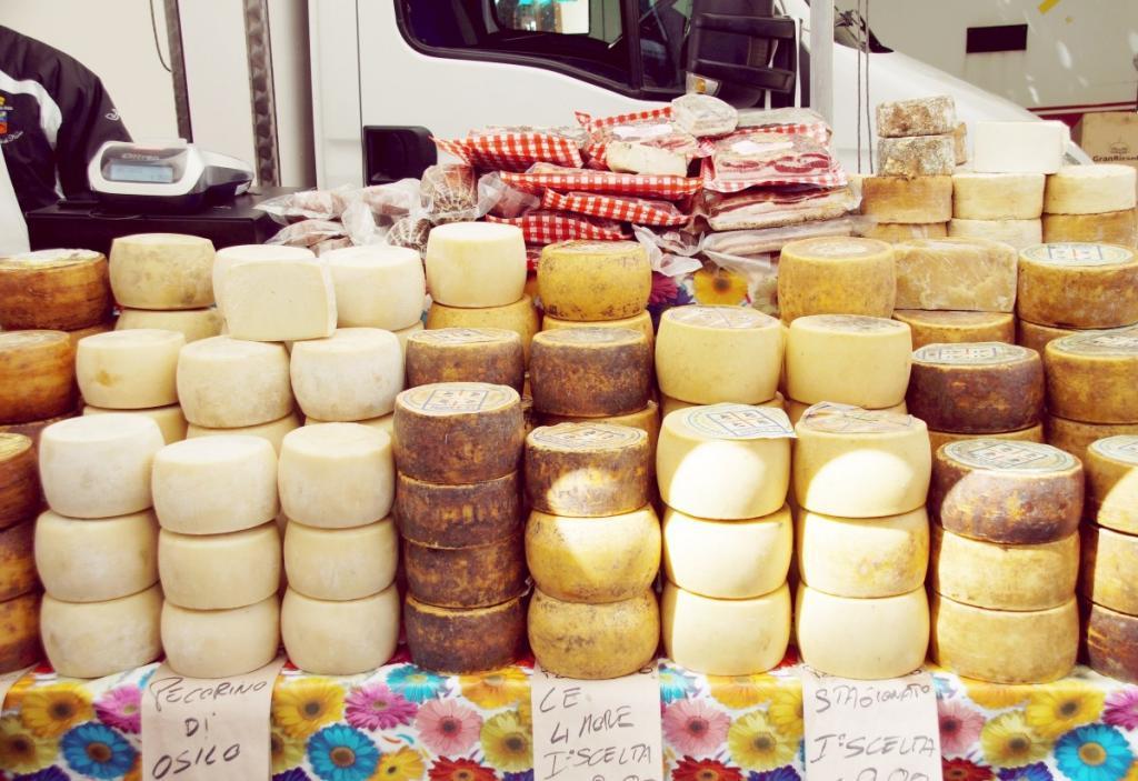 Banco formaggi in Sardegna